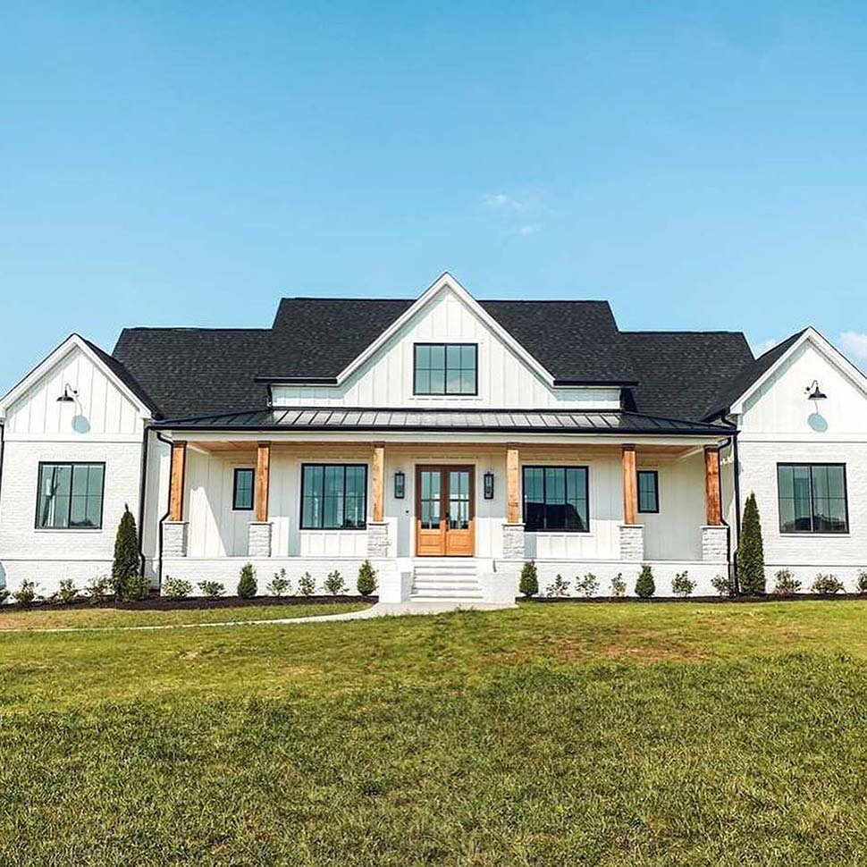 Country, Farmhouse Plan with 2400 Sq. Ft., 4 Bedrooms, 4 Bathrooms, 3 Car Garage Picture 4