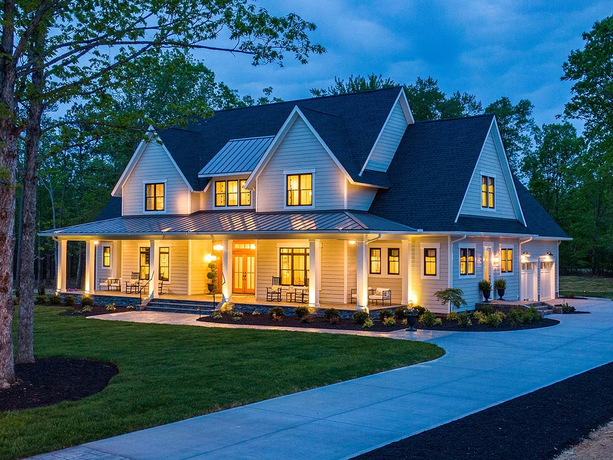Country, Farmhouse, Traditional Plan with 3952 Sq. Ft., 4 Bedrooms, 4 Bathrooms, 3 Car Garage Elevation