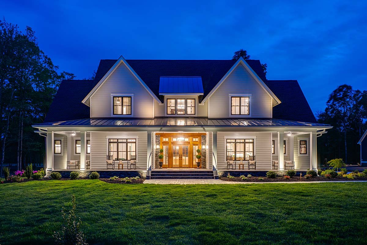 Country, Farmhouse, Traditional Plan with 3952 Sq. Ft., 4 Bedrooms, 4 Bathrooms, 3 Car Garage Picture 2