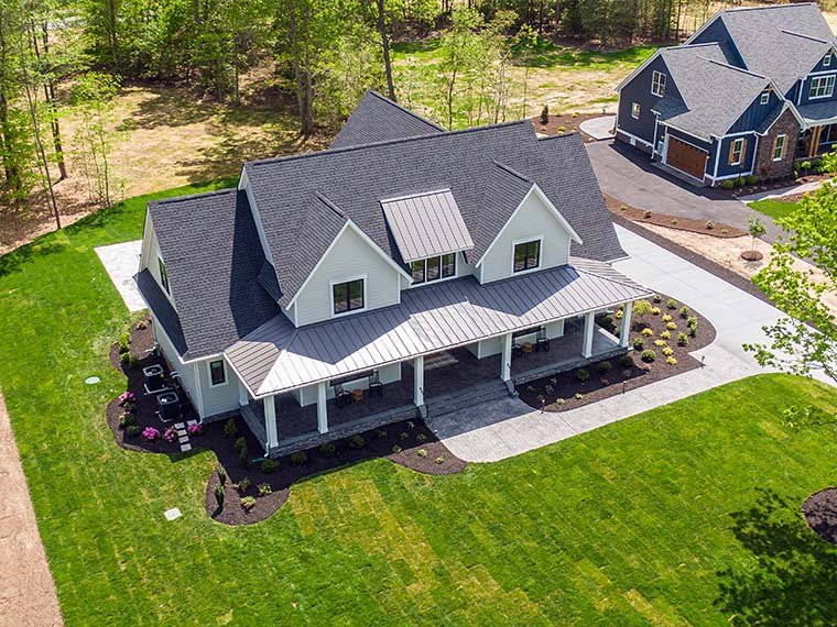 Country, Farmhouse, Traditional Plan with 3952 Sq. Ft., 4 Bedrooms, 4 Bathrooms, 3 Car Garage Picture 6