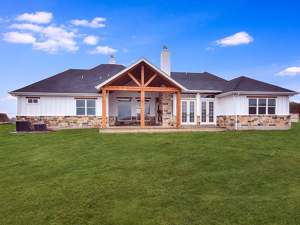 Cottage, Craftsman, Southern Plan with 3311 Sq. Ft., 5 Bedrooms, 4 Bathrooms, 3 Car Garage Rear Elevation