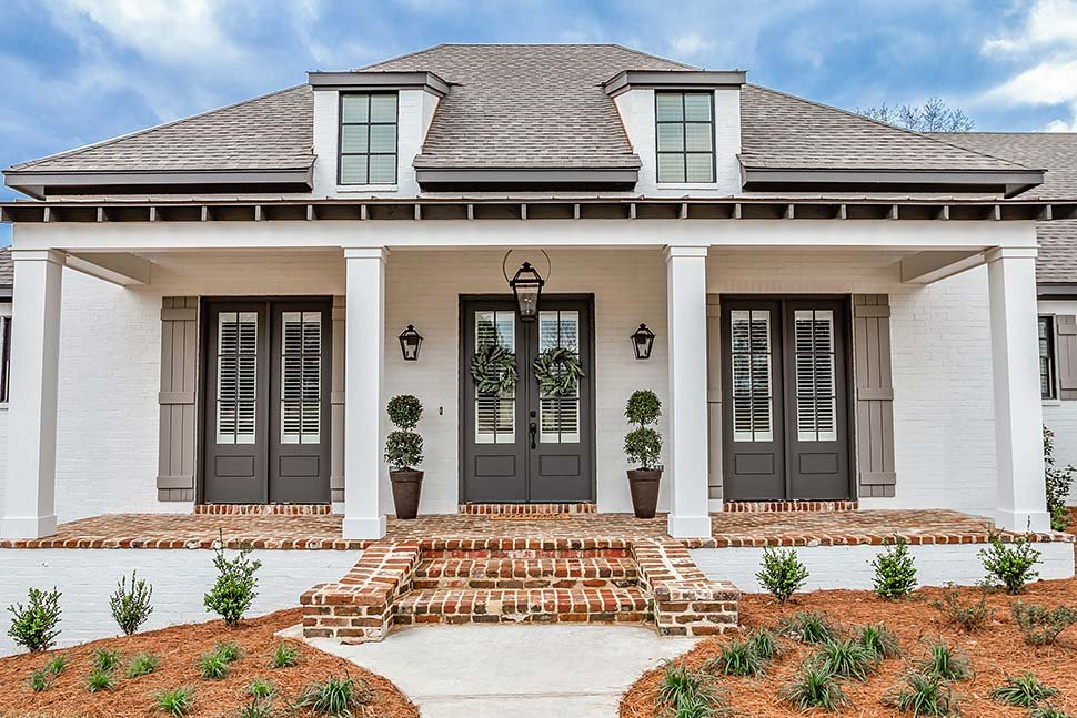Acadian, French Country, Southern Plan with 2854 Sq. Ft., 3 Bedrooms, 2 Bathrooms, 3 Car Garage Picture 3