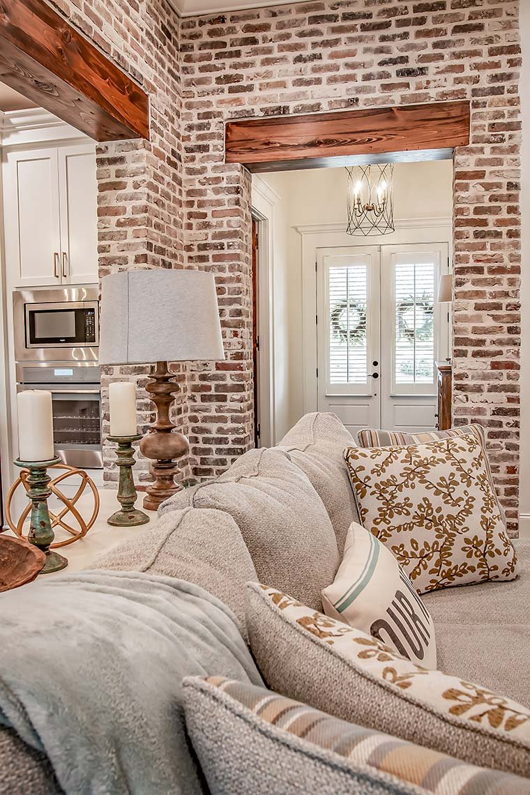 Acadian, French Country, Southern Plan with 2854 Sq. Ft., 3 Bedrooms, 2 Bathrooms, 3 Car Garage Picture 9