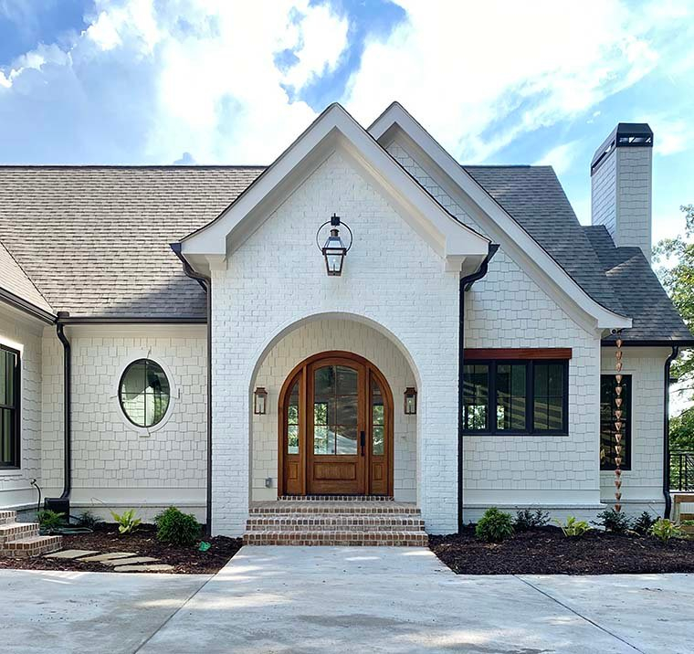 Coastal, Farmhouse, Southern Plan with 3794 Sq. Ft., 4 Bedrooms, 5 Bathrooms, 3 Car Garage Picture 6