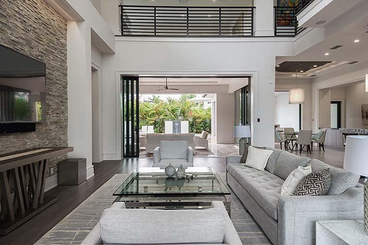 Coastal, Contemporary, Florida, Mediterranean Plan with 4350 Sq. Ft., 4 Bedrooms, 5 Bathrooms, 3 Car Garage Picture 16