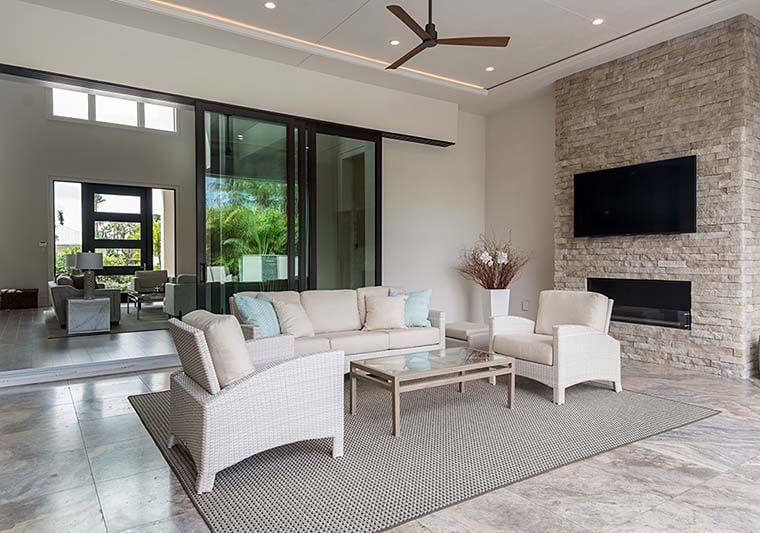 Coastal, Contemporary, Florida, Mediterranean Plan with 4350 Sq. Ft., 4 Bedrooms, 5 Bathrooms, 3 Car Garage Picture 18