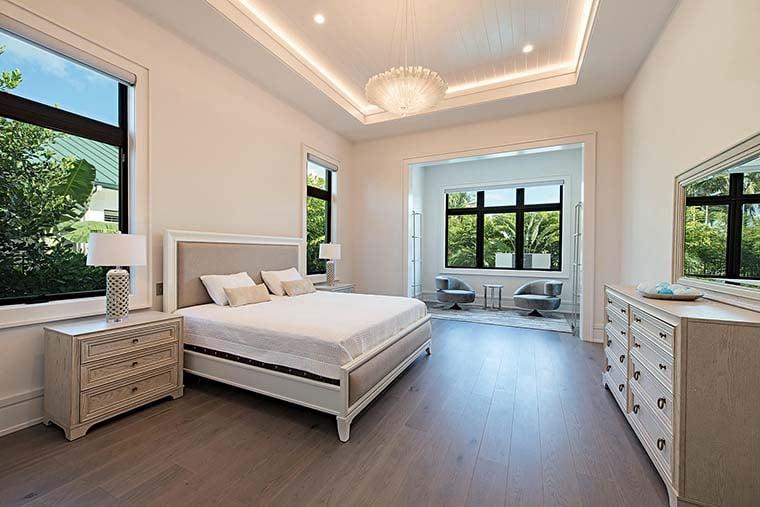 Coastal, Contemporary, Florida, Mediterranean Plan with 4350 Sq. Ft., 4 Bedrooms, 5 Bathrooms, 3 Car Garage Picture 19