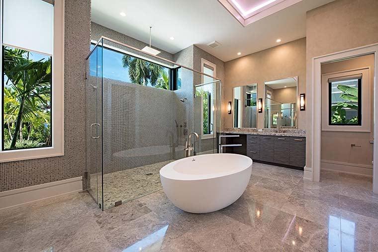 Coastal, Contemporary, Florida, Mediterranean Plan with 4350 Sq. Ft., 4 Bedrooms, 5 Bathrooms, 3 Car Garage Picture 20