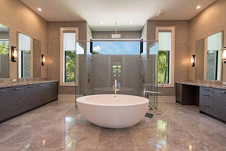 Coastal, Contemporary, Florida, Mediterranean Plan with 4350 Sq. Ft., 4 Bedrooms, 5 Bathrooms, 3 Car Garage Picture 21
