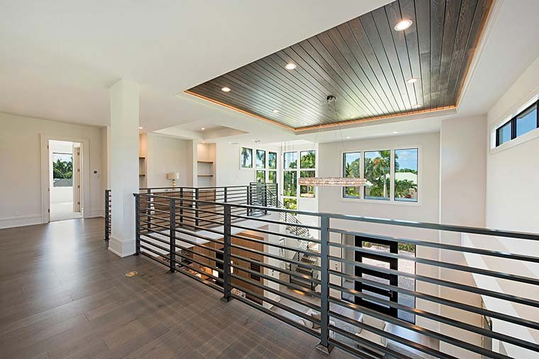Coastal, Contemporary, Florida, Mediterranean Plan with 4350 Sq. Ft., 4 Bedrooms, 5 Bathrooms, 3 Car Garage Picture 23