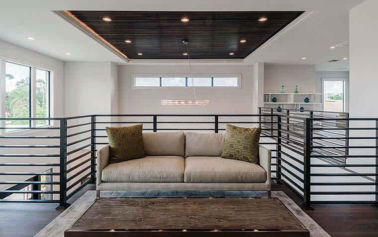 Coastal, Contemporary, Florida, Mediterranean Plan with 4350 Sq. Ft., 4 Bedrooms, 5 Bathrooms, 3 Car Garage Picture 24