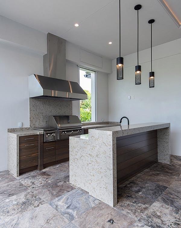 Coastal, Contemporary, Florida, Mediterranean Plan with 4350 Sq. Ft., 4 Bedrooms, 5 Bathrooms, 3 Car Garage Picture 25