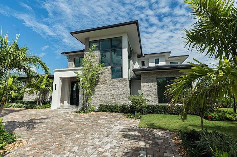 Coastal, Contemporary, Florida, Mediterranean Plan with 4350 Sq. Ft., 4 Bedrooms, 5 Bathrooms, 3 Car Garage Picture 4