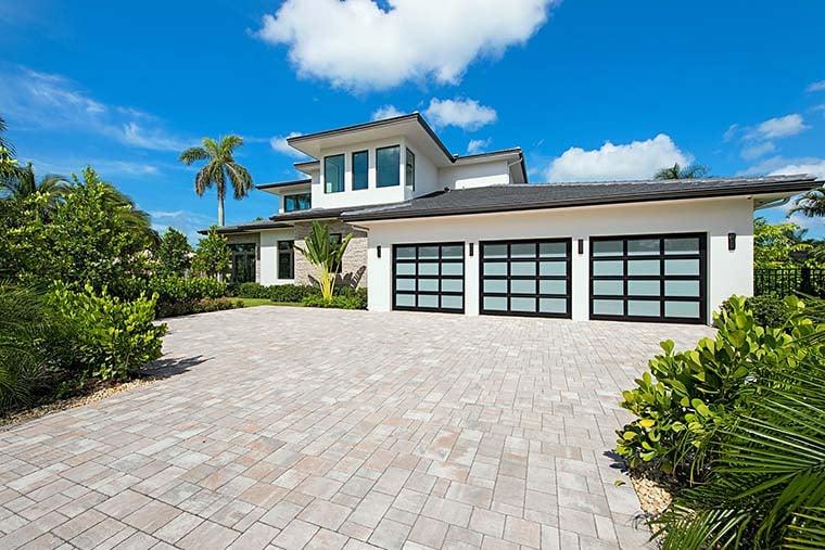 Coastal, Contemporary, Florida, Mediterranean Plan with 4350 Sq. Ft., 4 Bedrooms, 5 Bathrooms, 3 Car Garage Picture 5