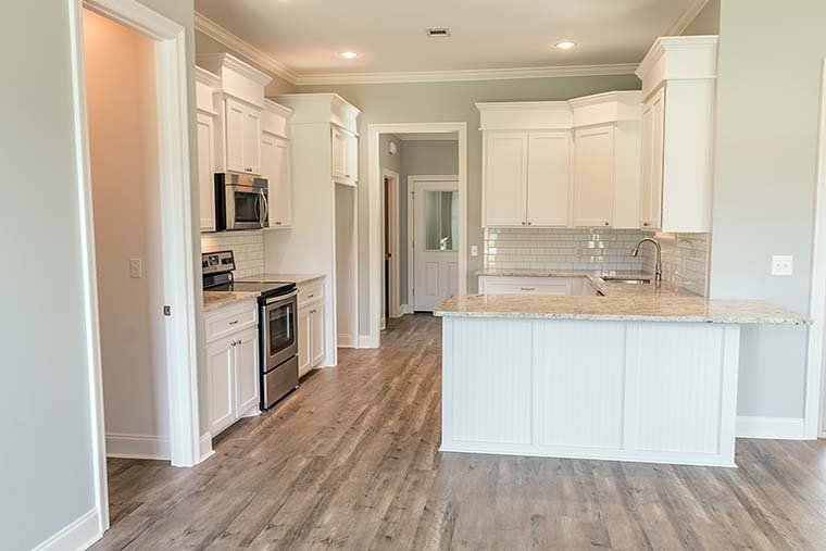 European, French Country, Traditional Plan with 1715 Sq. Ft., 3 Bedrooms, 2 Bathrooms, 2 Car Garage Picture 5