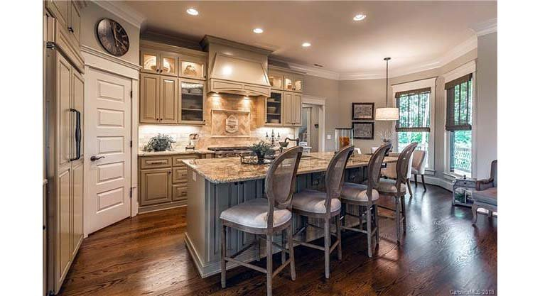 Cottage, Craftsman, Tuscan Plan with 2482 Sq. Ft., 4 Bedrooms, 4 Bathrooms, 2 Car Garage Picture 20