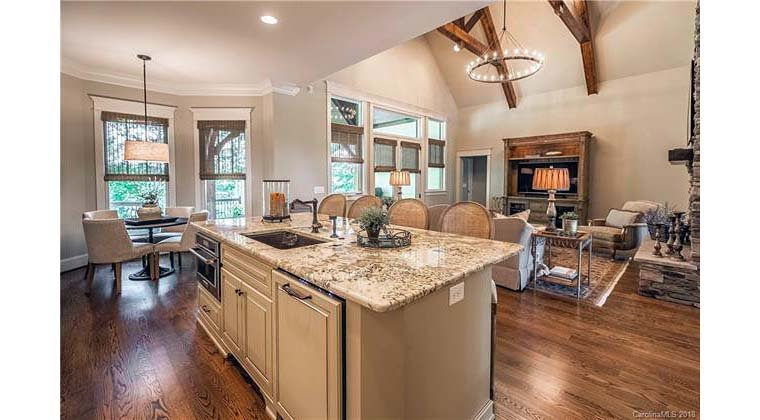 Cottage, Craftsman, Tuscan Plan with 2482 Sq. Ft., 4 Bedrooms, 4 Bathrooms, 2 Car Garage Picture 14