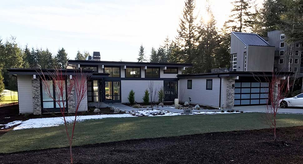 Contemporary, Modern Plan with 2557 Sq. Ft., 3 Bedrooms, 3 Bathrooms, 2 Car Garage Picture 4