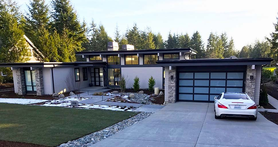 Contemporary, Modern Plan with 2557 Sq. Ft., 3 Bedrooms, 3 Bathrooms, 2 Car Garage Picture 5