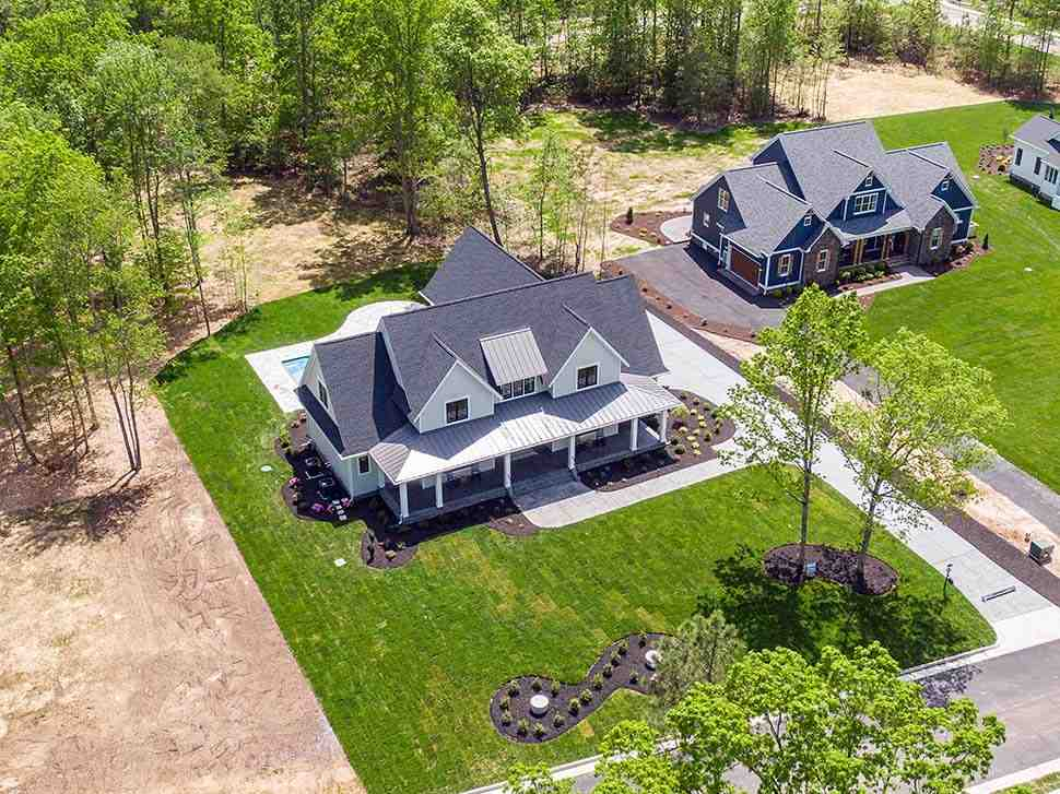 Country, Farmhouse, Traditional House Plan 42698 with 4 Beds, 4 Baths, 3 Car Garage Picture 4