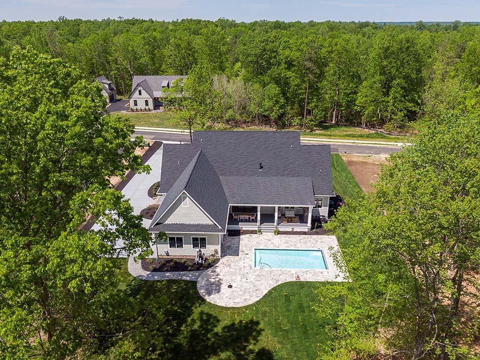 Country, Farmhouse, Traditional Plan with 3952 Sq. Ft., 4 Bedrooms, 4 Bathrooms, 3 Car Garage Picture 8
