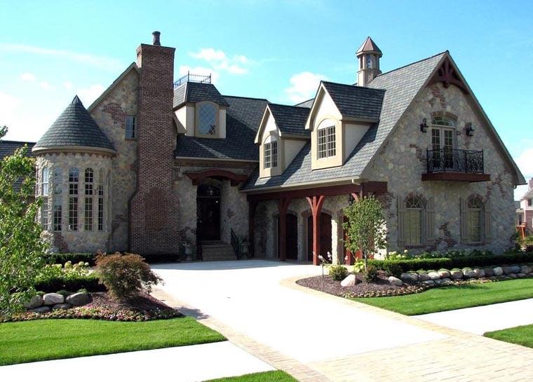 Tudor House Plan 42820