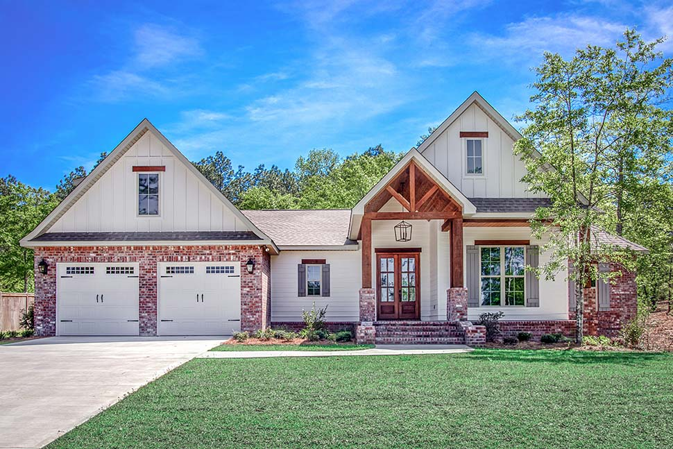 Country, Farmhouse, Traditional Plan with 2281 Sq. Ft., 4 Bedrooms, 2 Bathrooms, 2 Car Garage Picture 2
