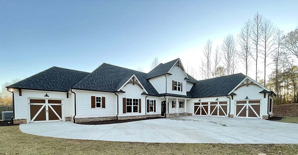 Craftsman, Farmhouse House Plan 52030 with 4 Beds, 4 Baths, 4 Car Garage Picture 8