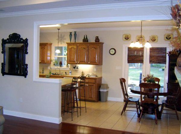 European, Ranch, Traditional Plan with 1639 Sq. Ft., 3 Bedrooms, 2 Bathrooms, 2 Car Garage Picture 3