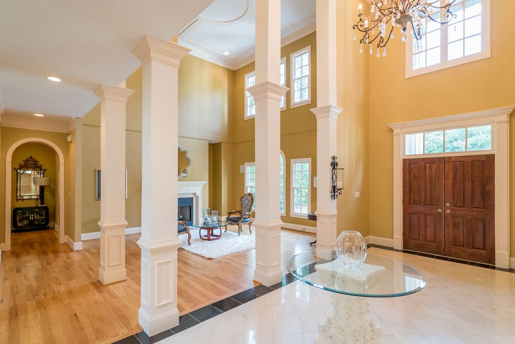 Colonial, Greek Revival Plan with 6177 Sq. Ft., 4 Bedrooms, 5 Bathrooms, 3 Car Garage Picture 10