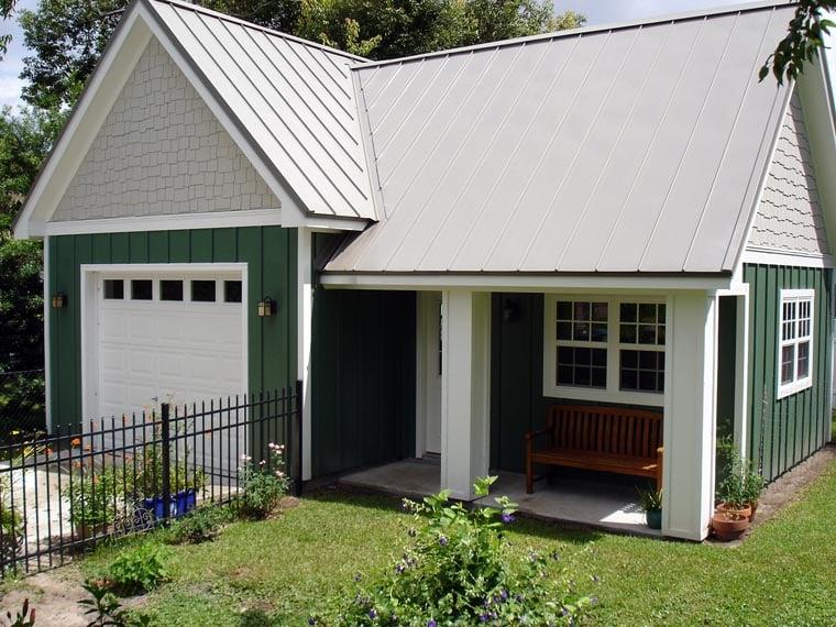 Craftsman Ranch Traditional Garage Plan 76018