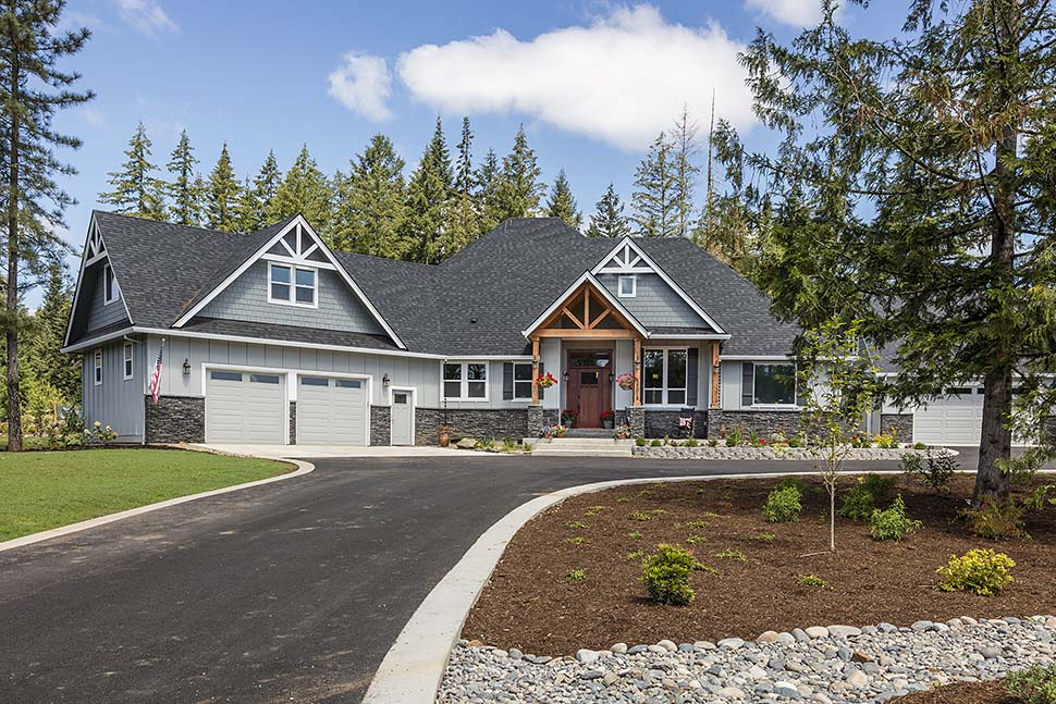 Country, Craftsman Plan with 2233 Sq. Ft., 3 Bedrooms, 3 Bathrooms, 2 Car Garage Picture 2