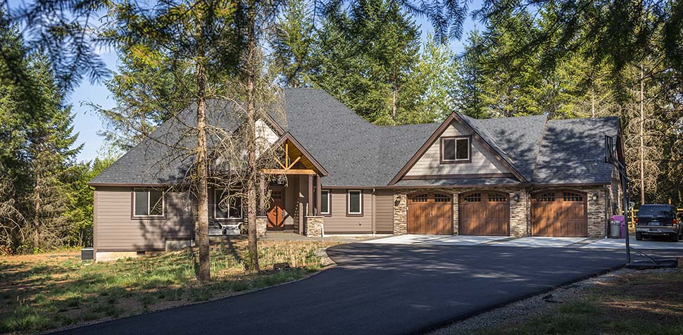 Country, Craftsman Plan with 2233 Sq. Ft., 3 Bedrooms, 3 Bathrooms, 2 Car Garage Picture 4