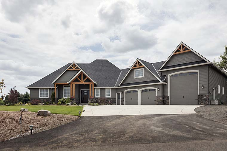 Country, Craftsman Plan with 2233 Sq. Ft., 3 Bedrooms, 3 Bathrooms, 2 Car Garage Picture 6