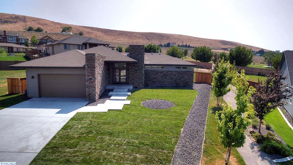 Contemporary, Modern, Prairie House Plan 81298 with 3 Beds, 3 Baths, 2 Car Garage Picture 3