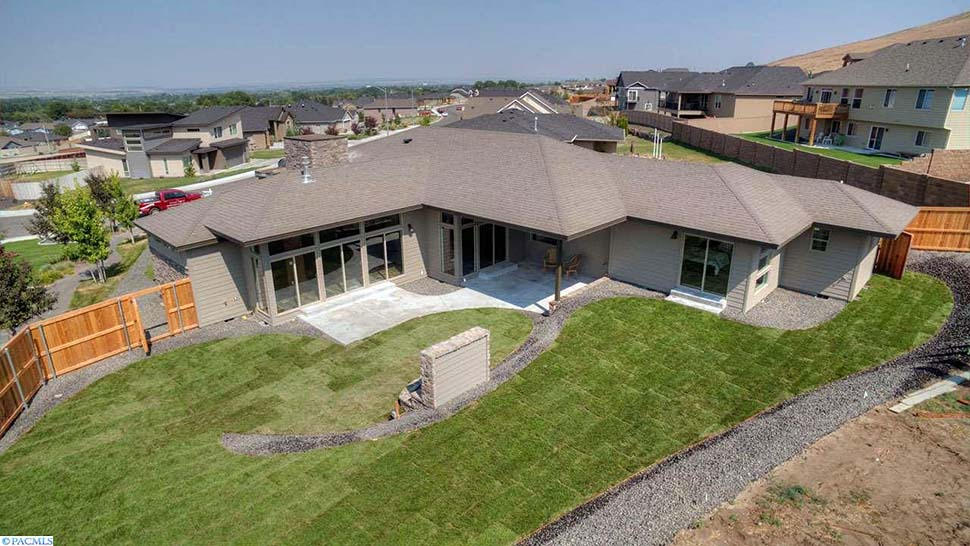 Contemporary, Modern, Prairie House Plan 81298 with 3 Beds, 3 Baths, 2 Car Garage Picture 4