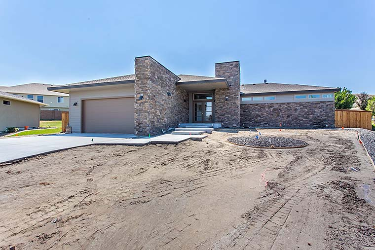 Contemporary, Modern, Prairie House Plan 81298 with 3 Beds, 3 Baths, 2 Car Garage Picture 5