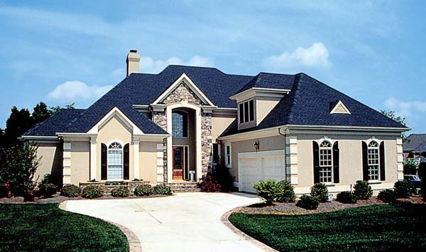 Traditional House Plan 85400
