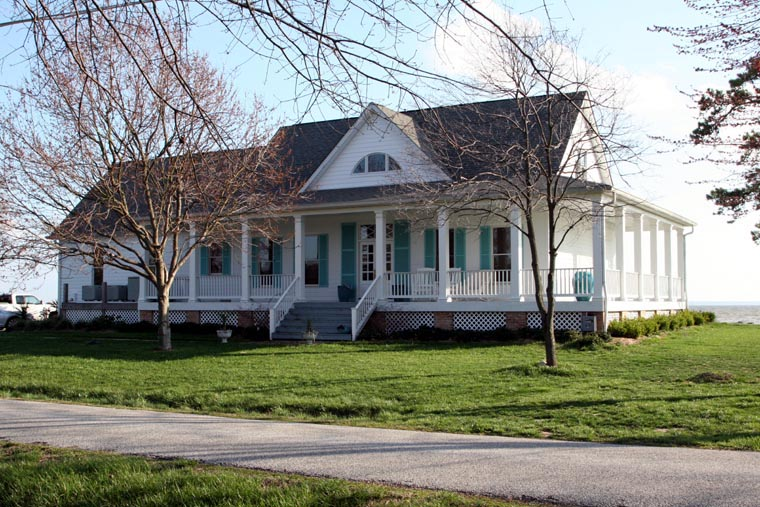 nice southern craftsman house plans #1: Family Home Plans