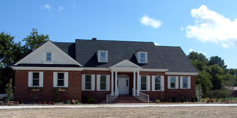 Traditional House Plan 86284