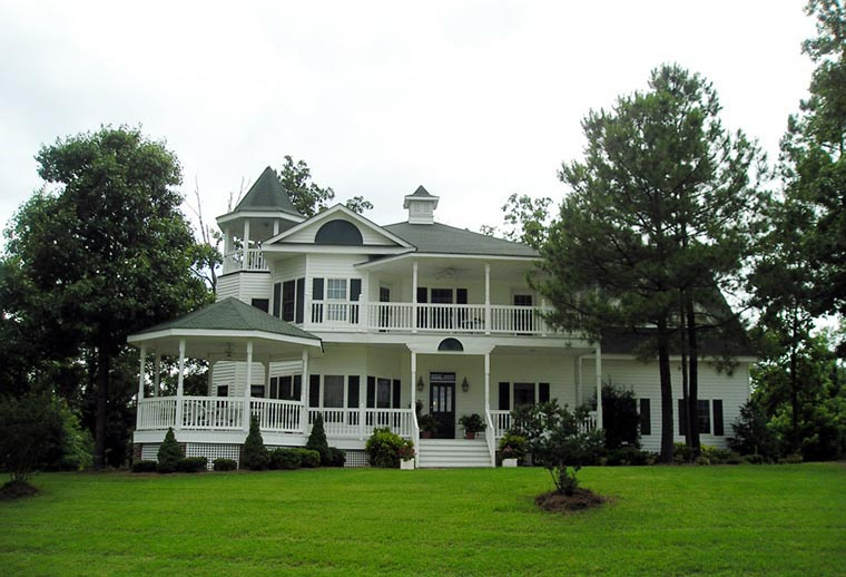 Farmhouse Southern Victorian House Plan 86291