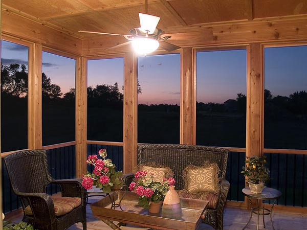 Views into – and beyond – the rear screened porch.