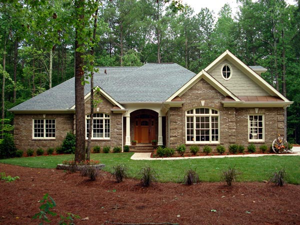 Traditional House Plan 92468